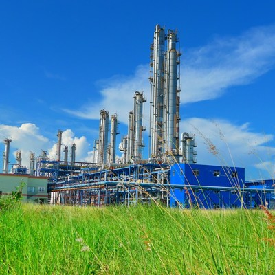 Sinopec cierra la primera transacción de acuerdo masivo del mercado nacional chino de carbono, con la compra de 100.000toneladas de cuota de emisiones de carbono de China Resources Group. (PRNewsfoto/SINOPEC)